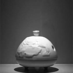 白瓷小荷爐